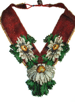 Beaded Daises All Around Necklace